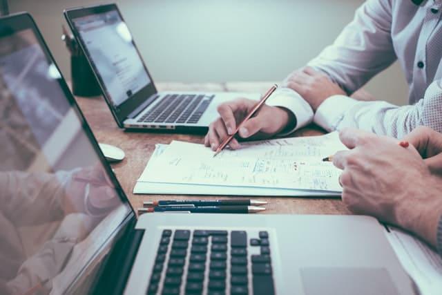 IT営業の転職と副業